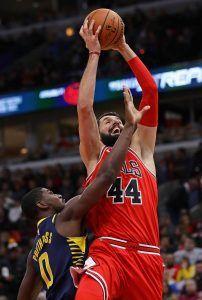 Mirotic entrando a canasta (Fuente: NBA).