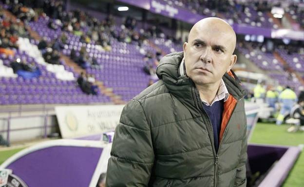 Luis César no se sentará en el banquillo frente al Sporting