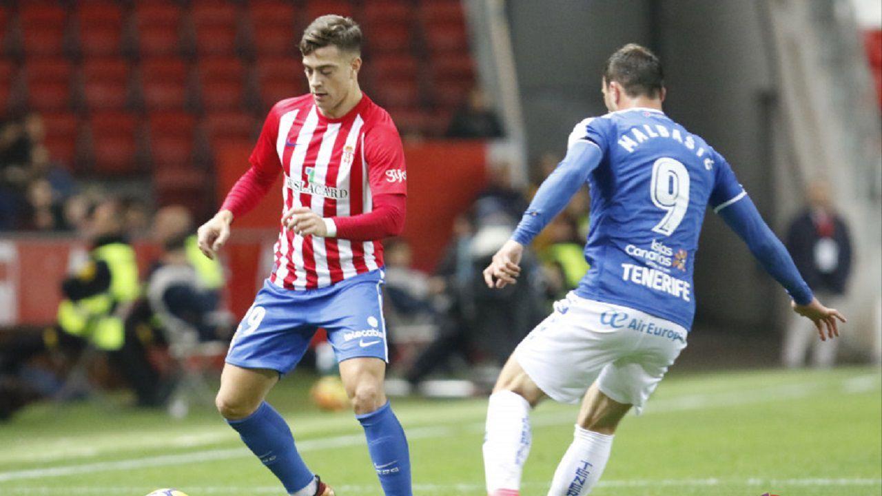 Juan Rodríguez en un partido con el Sporting