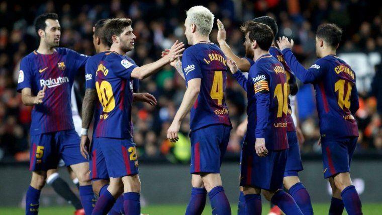El FC Barcelona celebrando el pase a la final de la Copa del Rey 17 18.  Foto  Jesús Burgos Ubeda ae1fa246a60eb