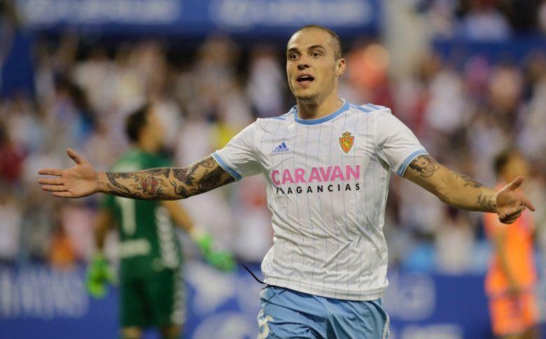 Jorge Pombo celebra un gol con el Real Zaragoza