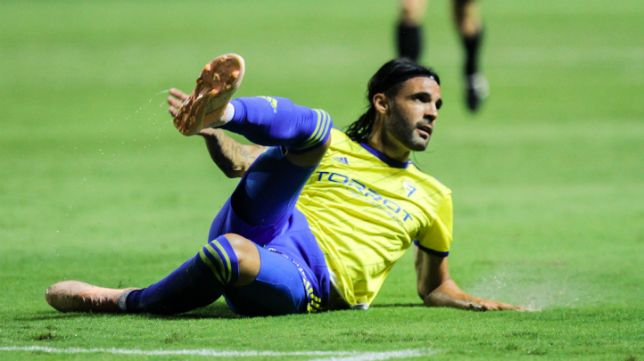 Sergio Sánchez en un partido con la camiseta cadista