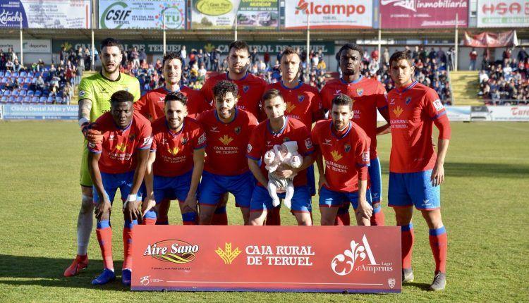 El CD Teruel en su estadio de Pinilla.