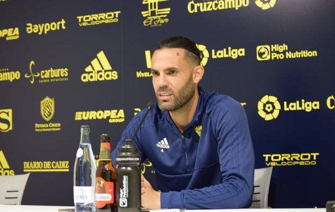 Sergio Sánchez se muestra ilusionado y cauto a la vez en rueda de prensa. (Fuente: Cádiz CF)