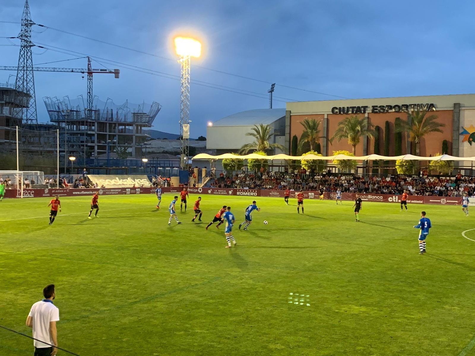 Lance del encuentro entre el CF La Nucía y la Arandina