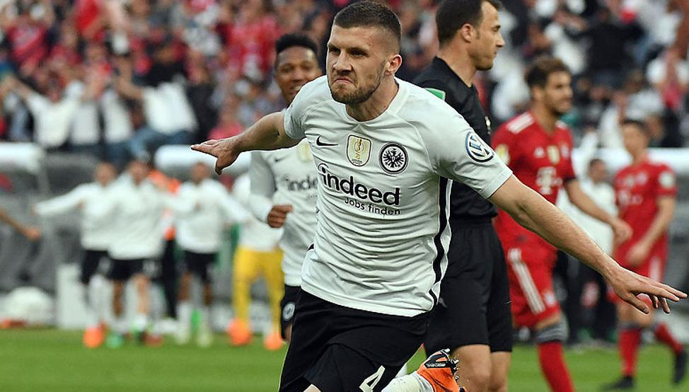 Ante Rebic celebrando un gol