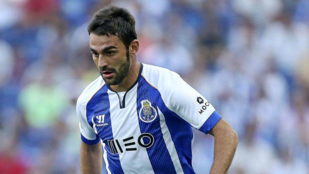 Adrián López en su etapa en el Oporto