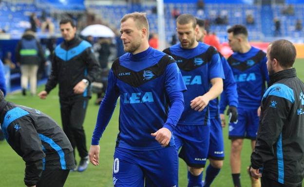 Guidetti en un entrenamiento con el Alavés