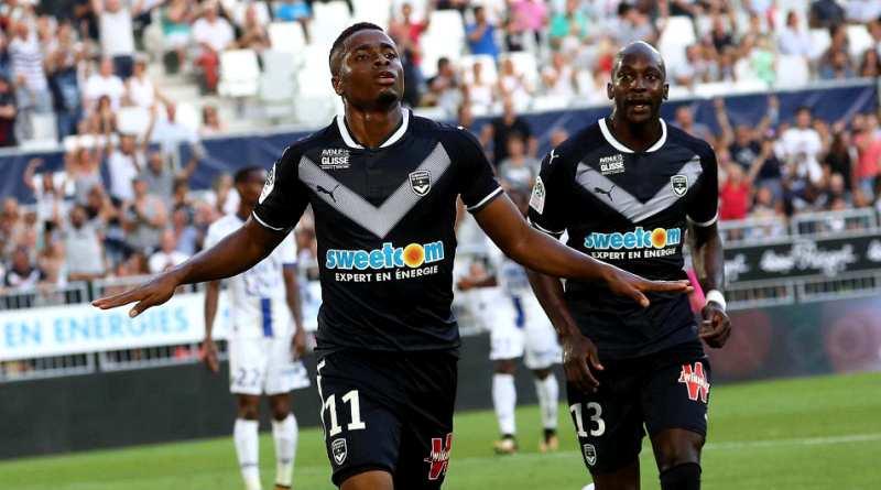 François Kamano celebra un gol con el Girondins