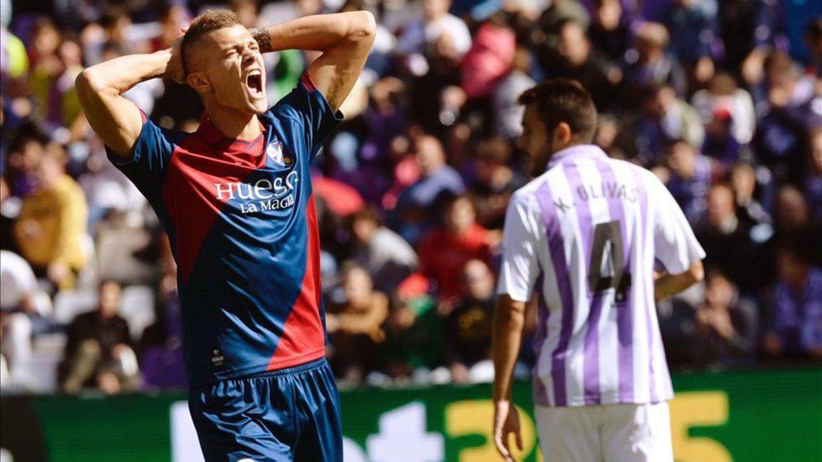 Longo en un partido con el Huesca la pasada temporada