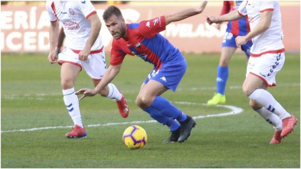 Ortuño la pasada temporada en un partido con el Extremadura