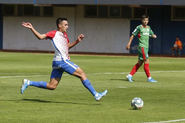 Pedro Díaz en el último amistoso de pretemporada del Sporting frente al Alavés
