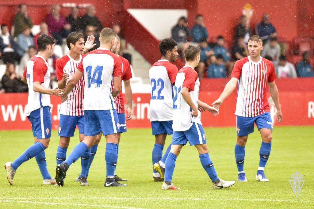 Sporting 'B' celebra un gol en pretemporada