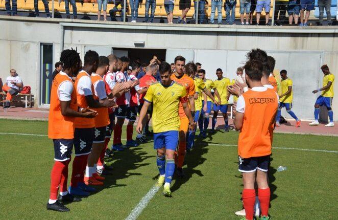 Un Algeciras señorial hace el pasillo de Honor al campeón del Grupo X de Tercera División 18/19
