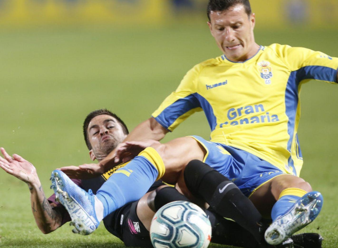 Damián Pérez en el lance que le provocó la lesión