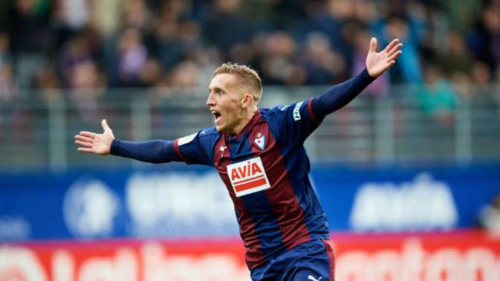 Pablo De Blasis celebra un gol la pasada temporada con el Eibar
