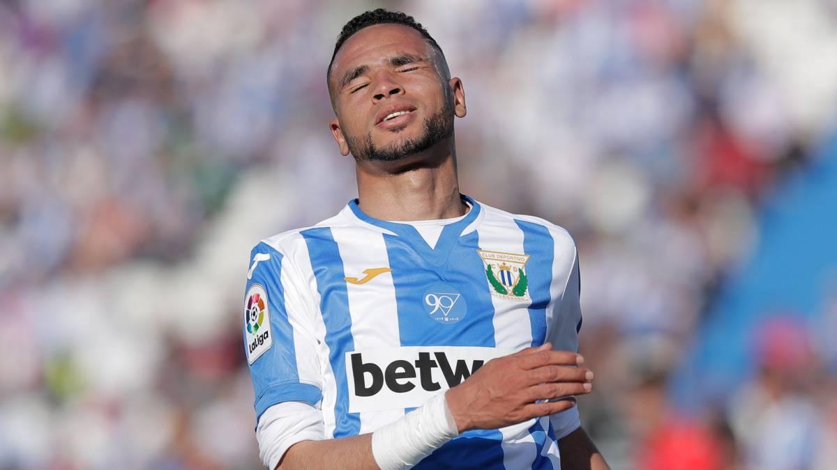 Youssef En-Nesyri lamenta una ocasión de gol marrada