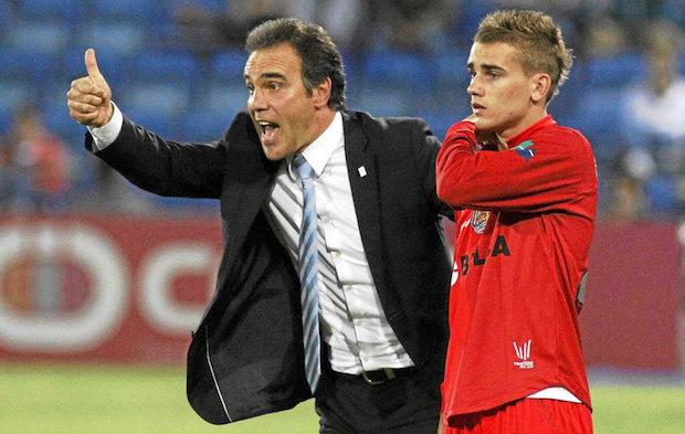 Martín Lasarte junto a Griezmann en su etapa como entrenador de la Real Sociedad