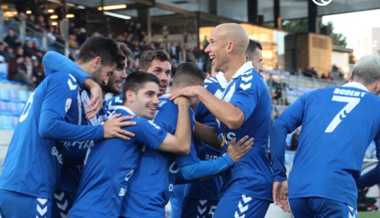 El Badalona celebra un gol la pasada jornada ante el Nàstic