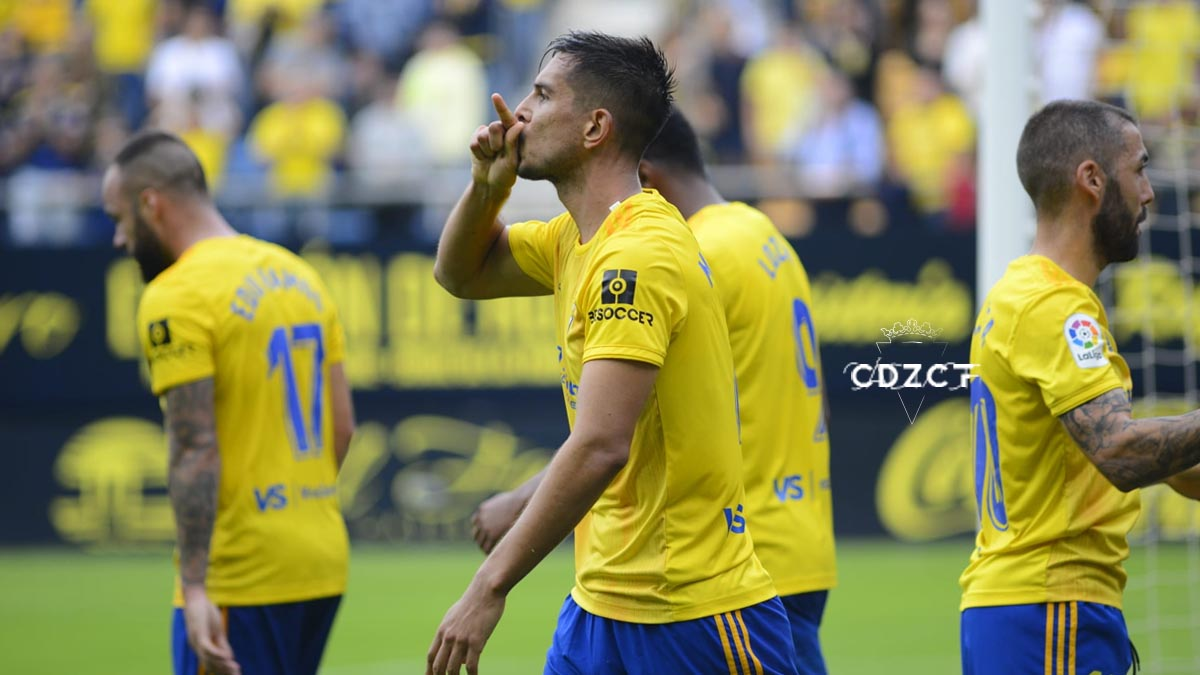 Marcos Mauro celebra el gol que supuso el 1-0