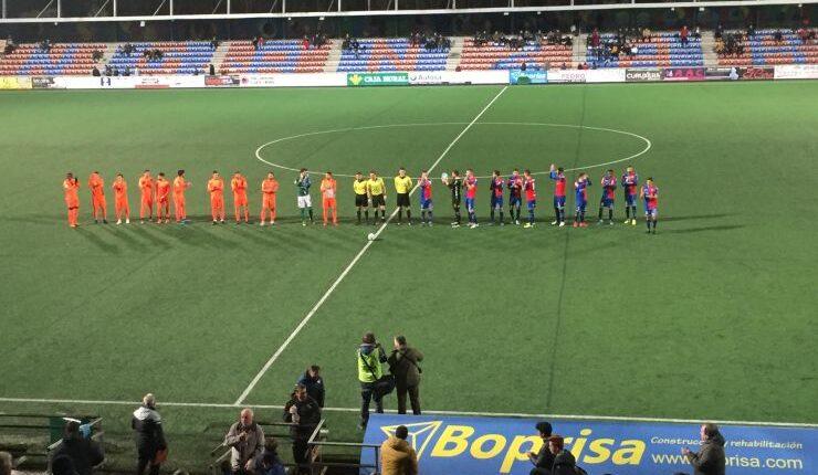 El Ebro venció por 2-3 en el Nuevo Ganzábal de Langreo