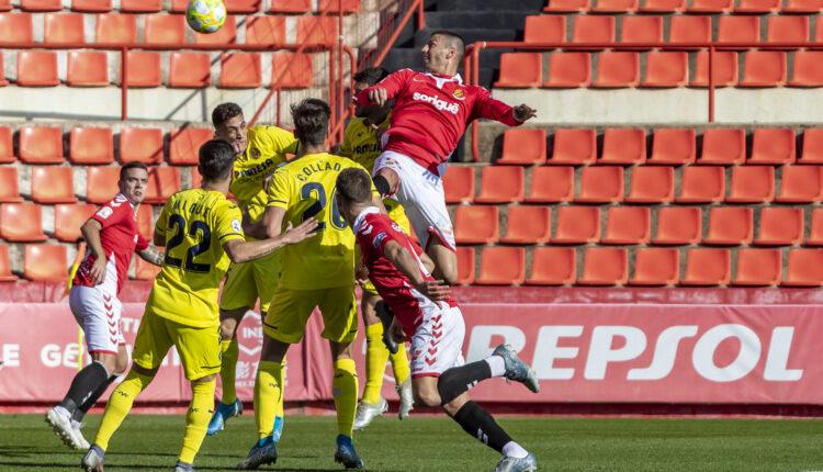 Lance del juego de la pasada jornada Nástic-Villarreal 'B'