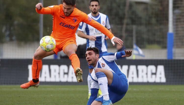 Lance del partido Espanyol B -Ebro