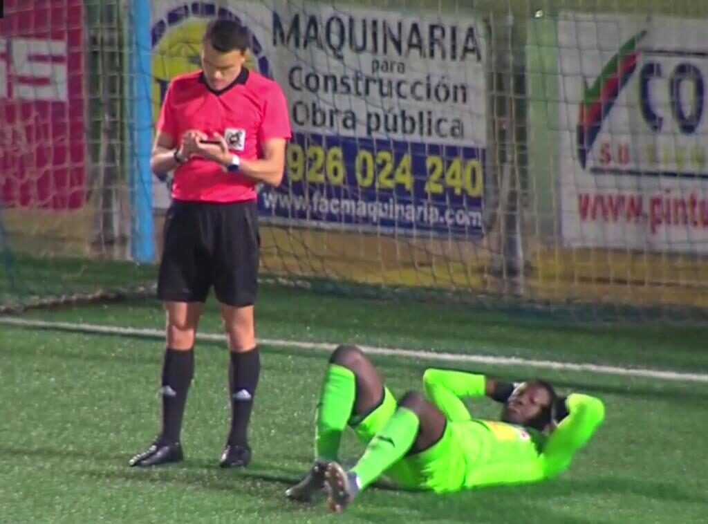 Diarra perdía tiempo tras los últimos goles del Algeciras.