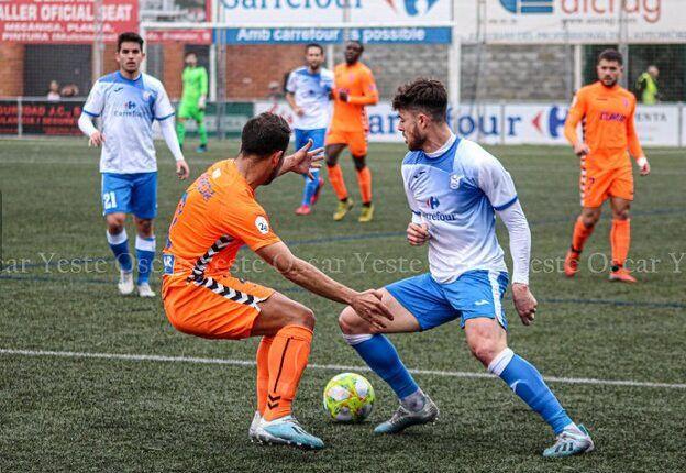 Lance del juego en el último partido del Ebro