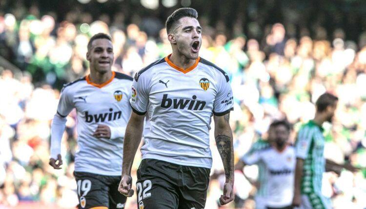 Maxi Gómez celebra su tanto en el Benito Villamarín