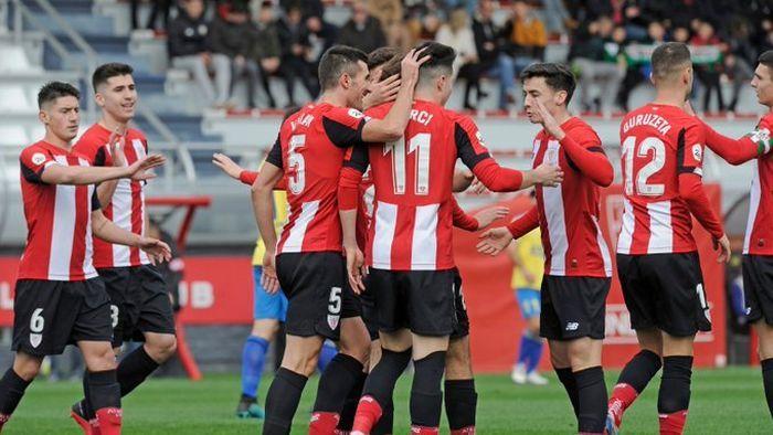 Jugadores del Bilbao Athletic celebran el 1-0 en el encuentro frente al Real Unión