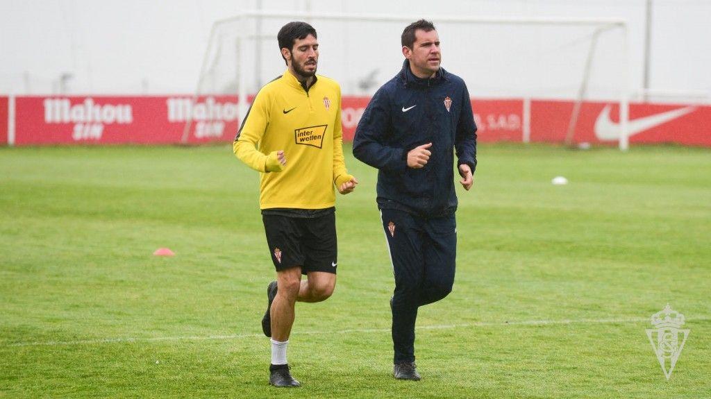 Marc Valiente en el entrenamiento del Sporting del viernes 13 de marzo