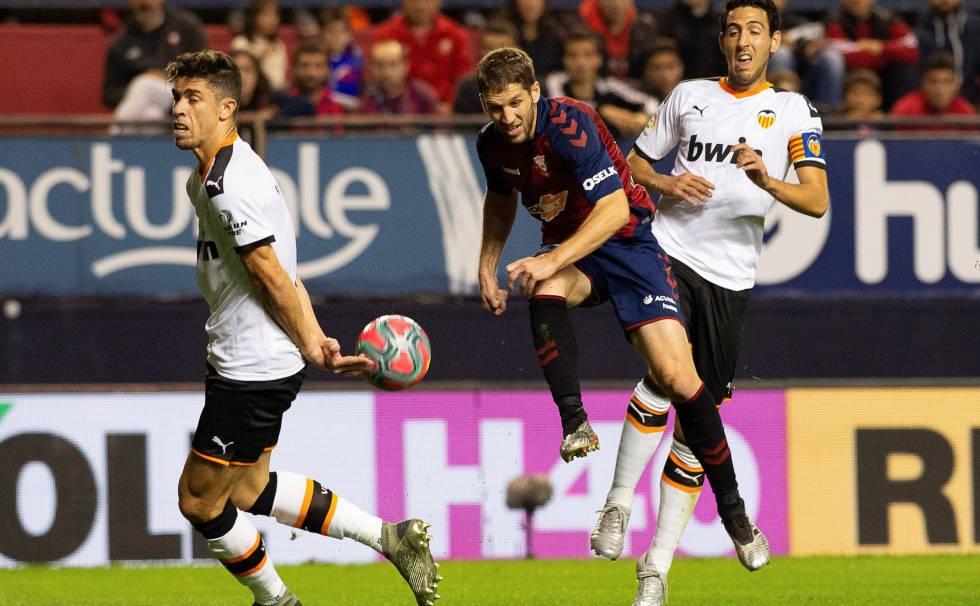En el partido de la primera vuelta Osasuna humilló al Valencia con un 3-1 final   F: El País