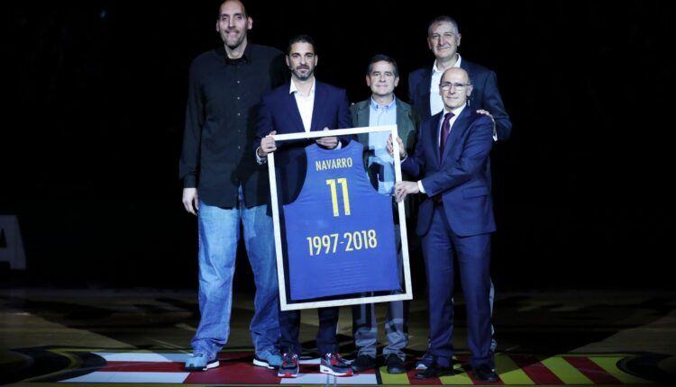 Navarro en el homenaje en la retirada de la camiseta (Fuente: Web FC Barcelona)