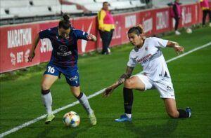 Encuentro entre el Sevilla FC y el Levante UD correspondiente a los octavos de la Copa de la Reina