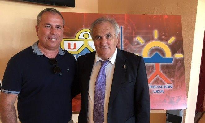 Antonio Jesús Cervantes con el ex-propietario del club, Alfonso García
