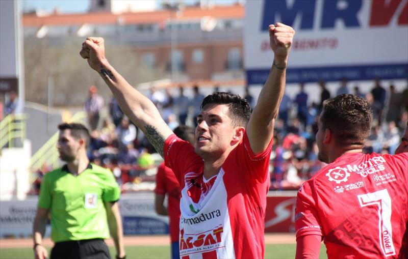 Jesús Sillero celebra gol
