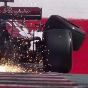 Kimi perdío la rueda delantera derecha por completo, sin motivo aparente.