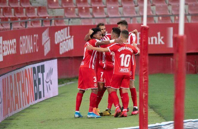 Jugadores del Girona celebrando el tanto de la victoria ante el Zaragoza