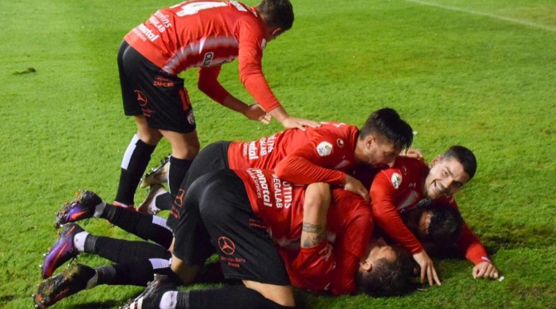 Jugadores del Zamora CF celebran un gol