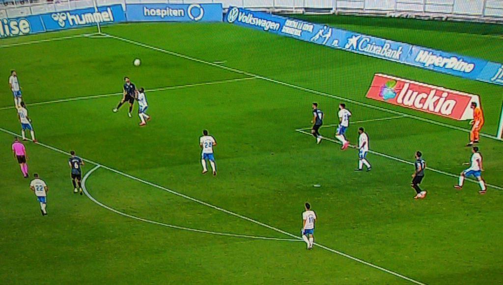 Acción previa al gol que supuso que más tarde ese tanto fuese anulado
