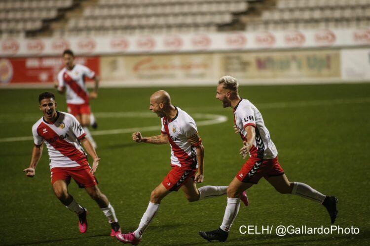 Cristian Gómez, celebrando el 1 a 0 contra el Barça 'B'. | Foto: @CELHospitalet
