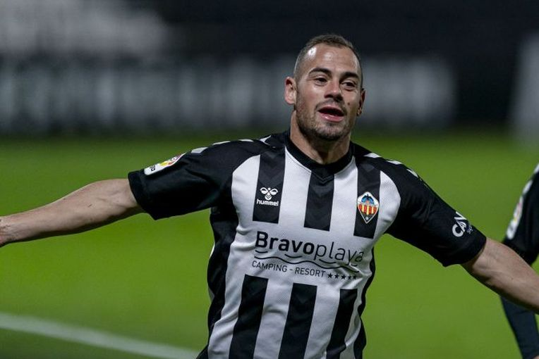 César Díaz celebra el gol frente al Real Zaragoza