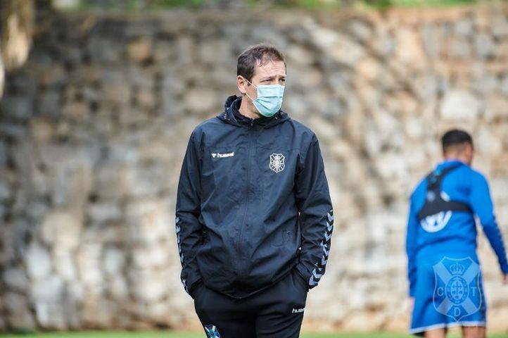 Luis Miguel Ramis en un entrenamiento (Fuente CD Tenerife)