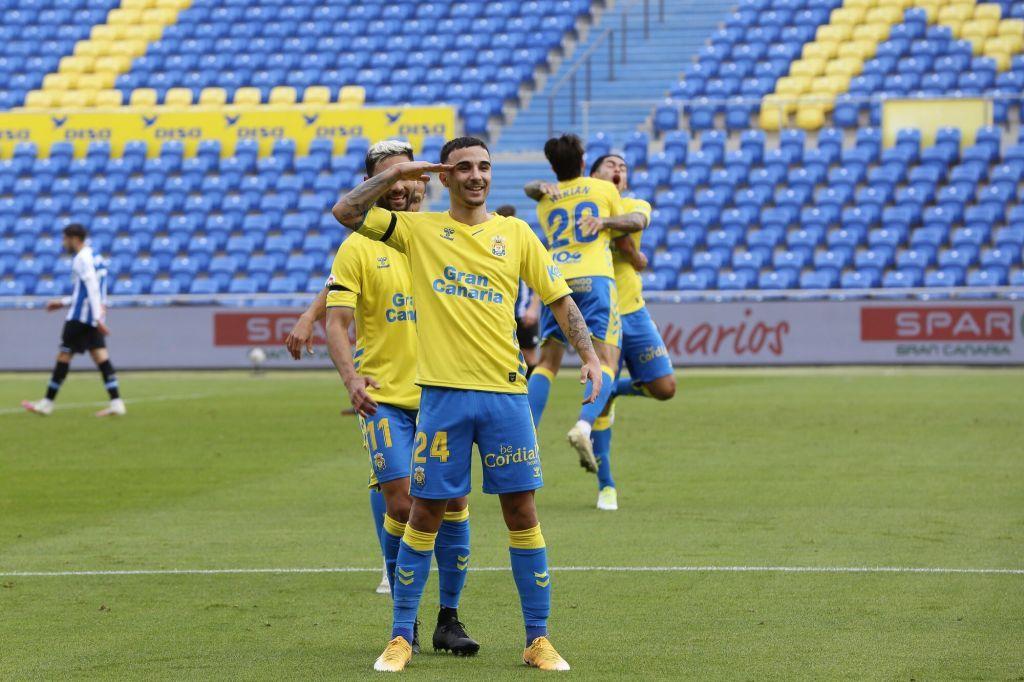 Rober González celebrando un gol con la UD Las Palmas