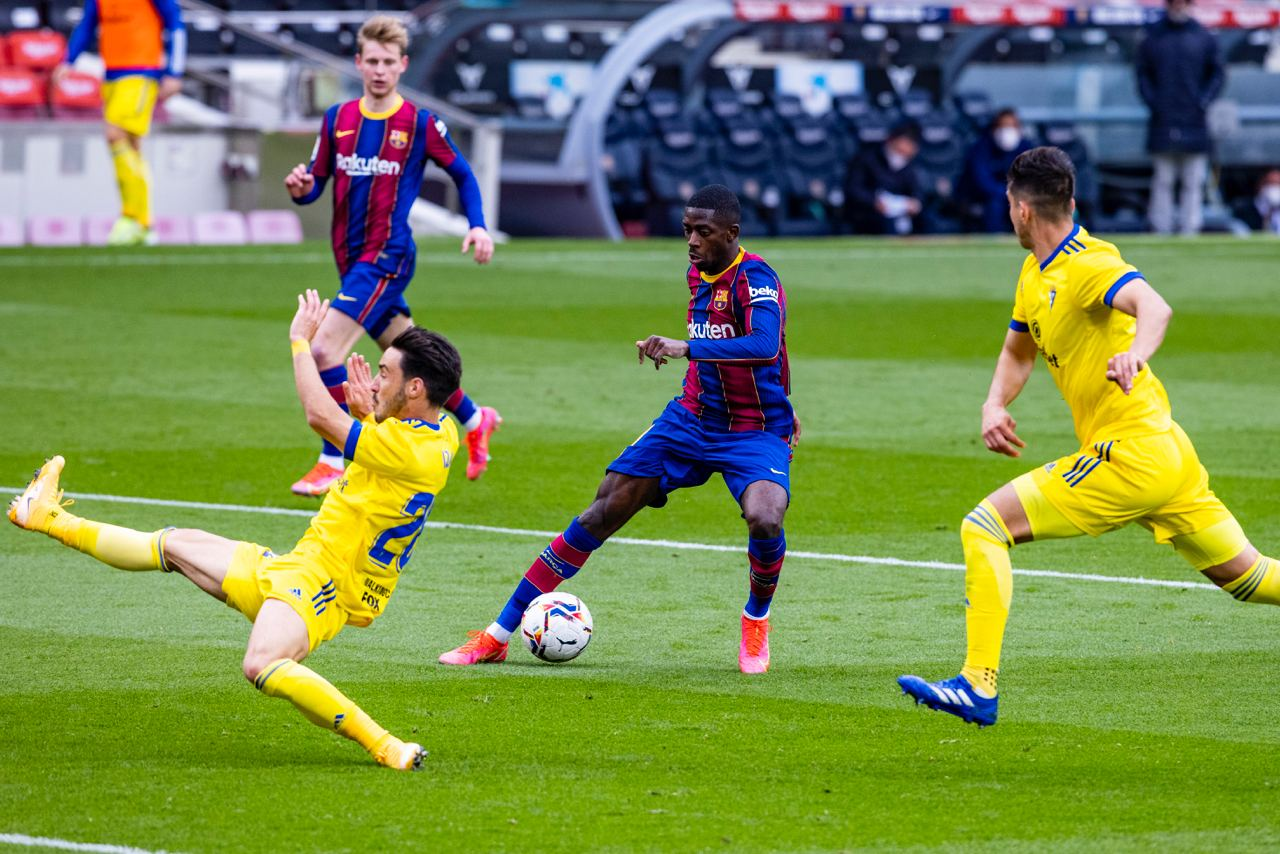 Lenglet regala el empate en el Camp Nou