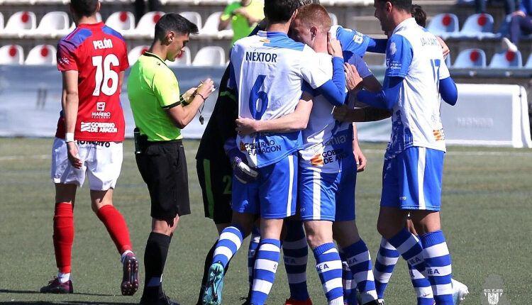 El Ejea celebra uno de sus goles en su última jornada ante él Tarazona