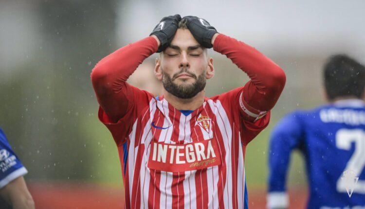 Mateo se lamenta del último empate del Sporting 'B'