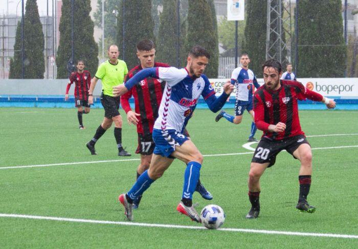 Lance del juego entre Ebro y Arenas de la pasada jornada