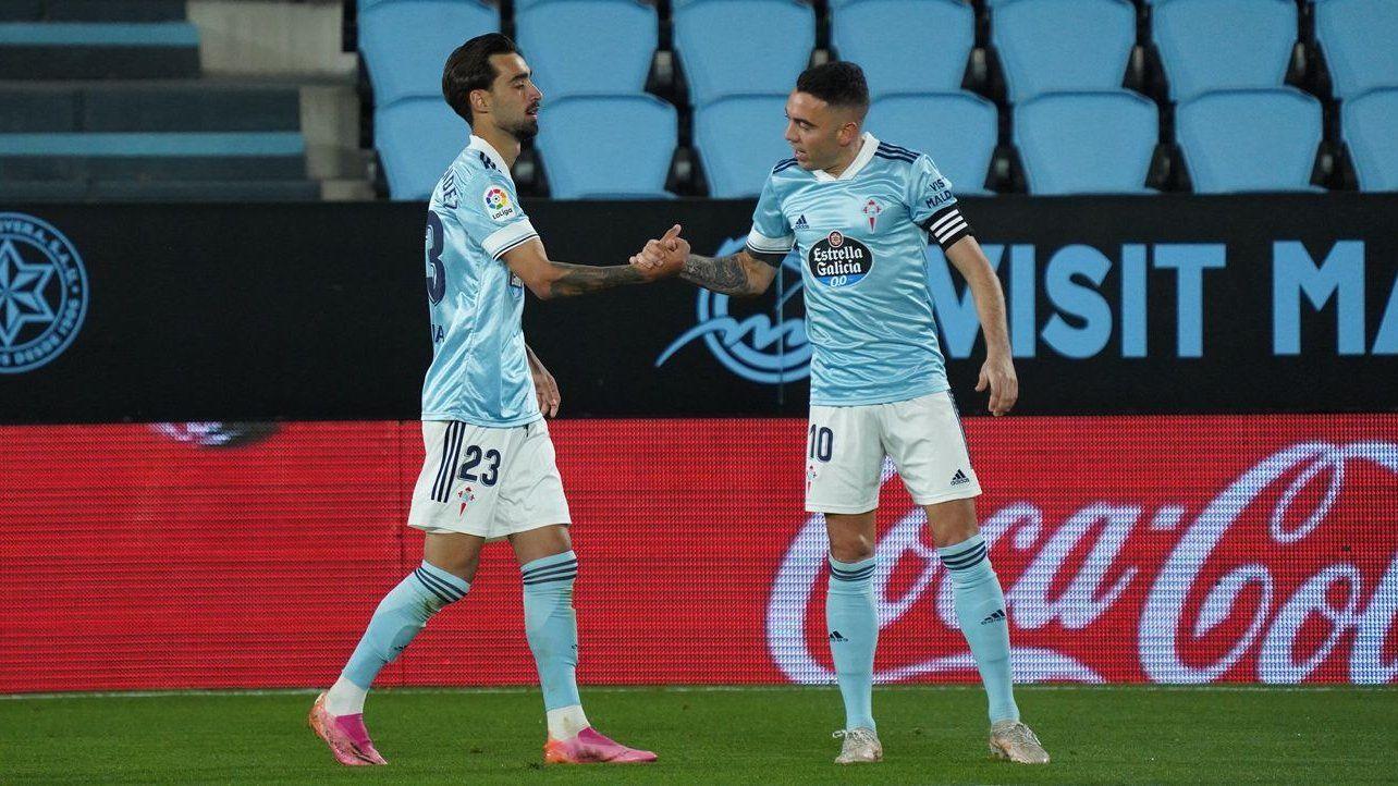 Iago Aspas celebra con Brais un gol